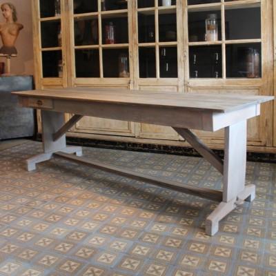 Ancienne table en bois