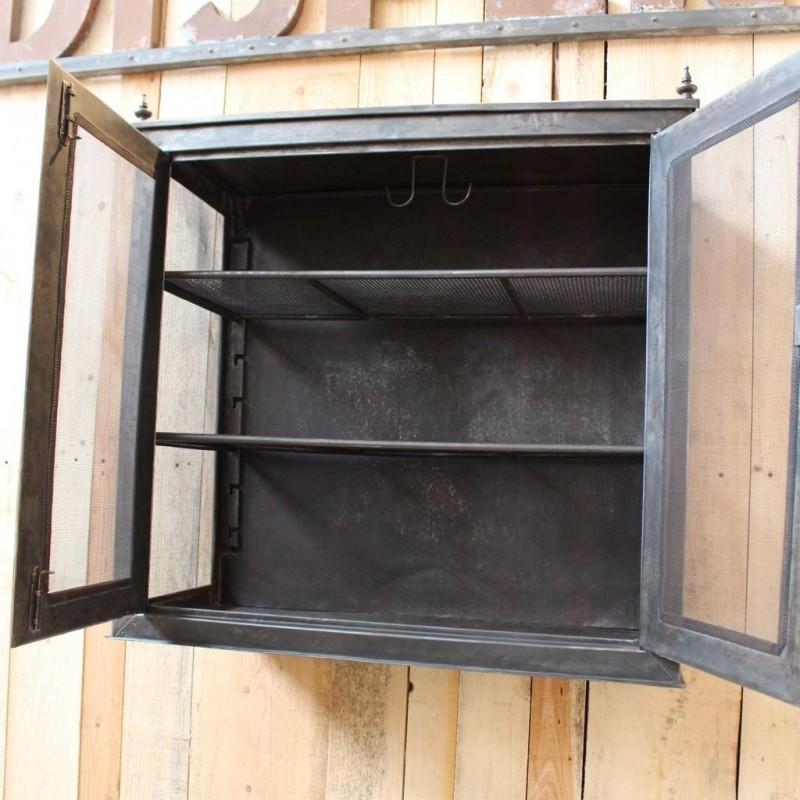 mobilier industriel ancien garde manger en m tal. Black Bedroom Furniture Sets. Home Design Ideas