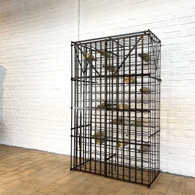 French wine cellar in metal - capacity 300 bottles