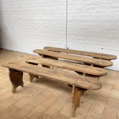 1 to 4 old wooden benches