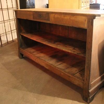 mobilier industriel ancien comptoir de commerce en bois. Black Bedroom Furniture Sets. Home Design Ideas