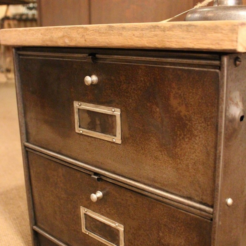 mobilier industriel ancien meuble administratif 2 clapets. Black Bedroom Furniture Sets. Home Design Ideas