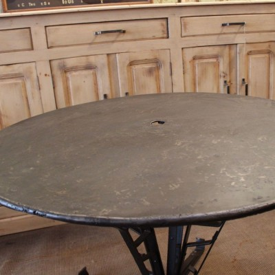 Table ronde en métal pied Eiffel - Metal Round Table