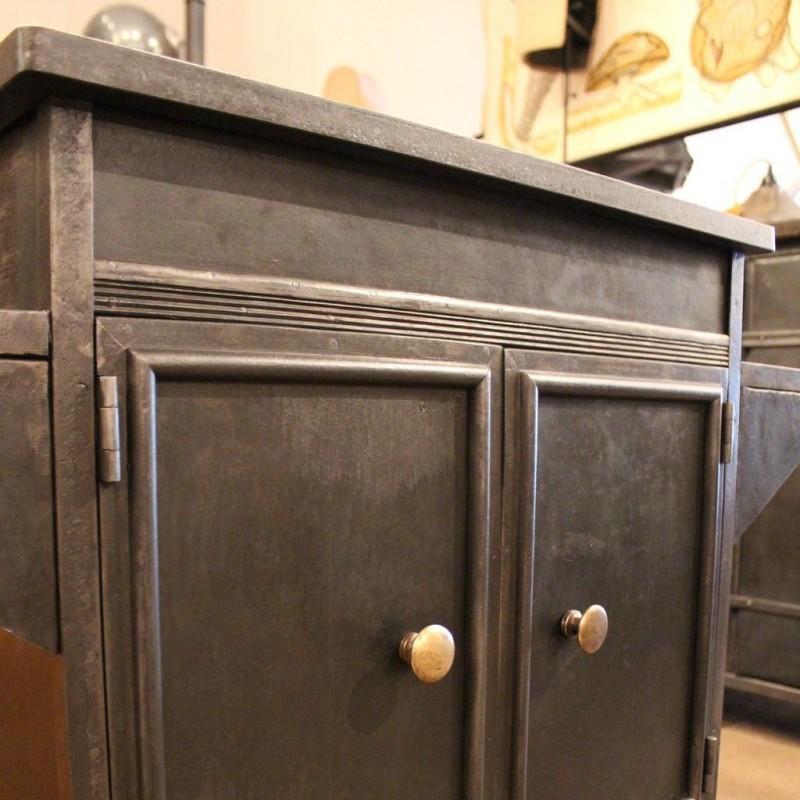 mobilier industriel meuble industriel 2 portes. Black Bedroom Furniture Sets. Home Design Ideas