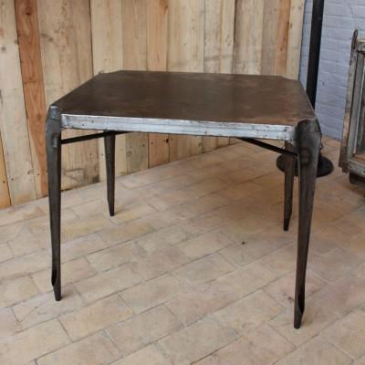 Metal table Multipl's 1950