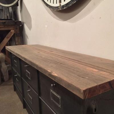 Ancien meuble industriel 6 clapets