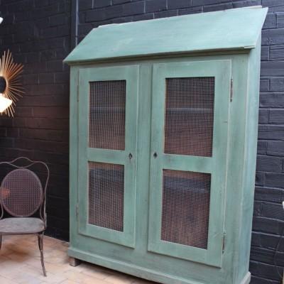 Ancienne armoire 2 portes en bois.
