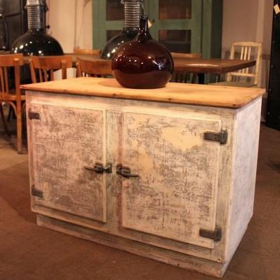 Wooden cabinet 2 doors