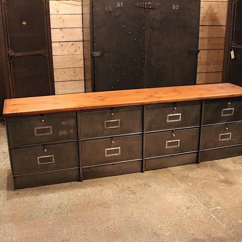 mobilier industriel ancien meuble clapets. Black Bedroom Furniture Sets. Home Design Ideas