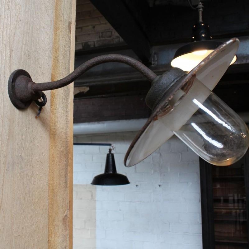 Mobilier industriel - Ancienne applique col de cygne