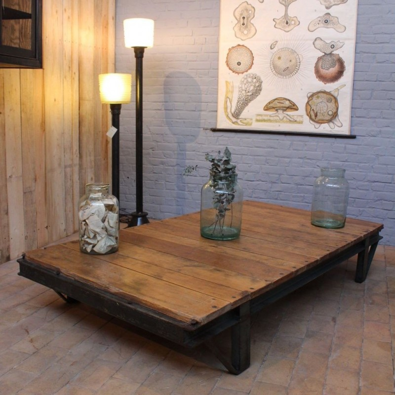 Mobilier industriel grande table basse industrielle for Table basse industrielle blanche
