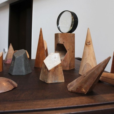 Series of geometric shape in wood