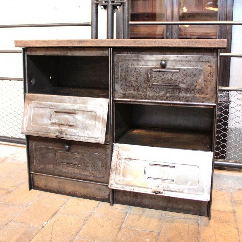 mobilier industriel ancien meuble administratif 8 clapets. Black Bedroom Furniture Sets. Home Design Ideas