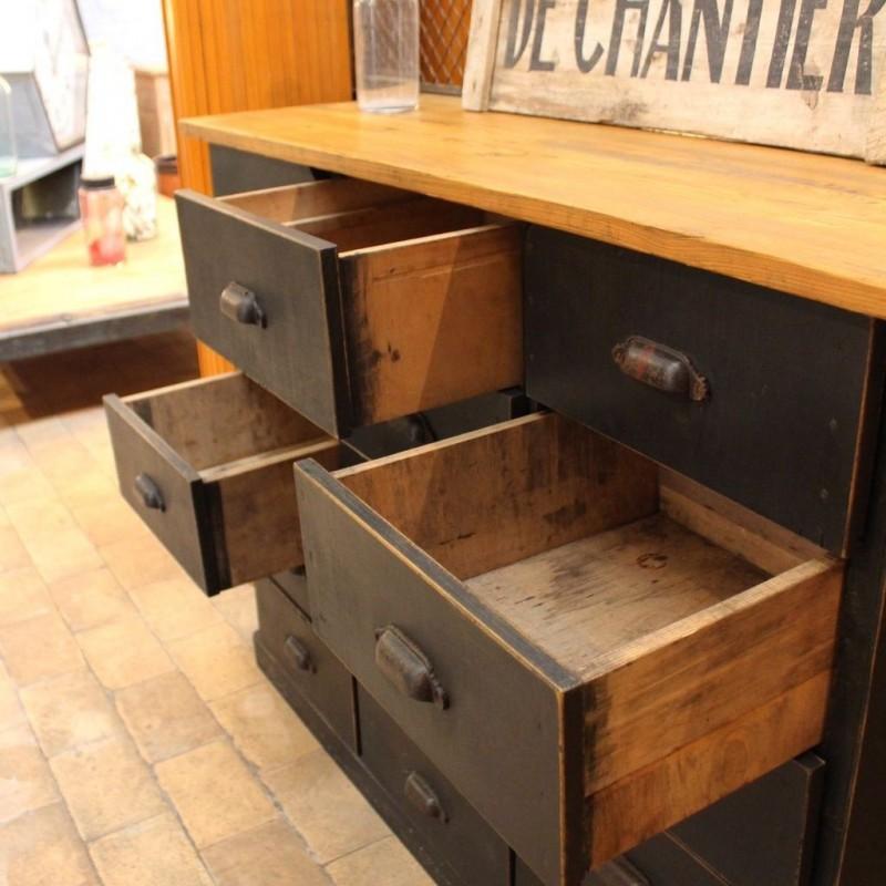 mobilier industriel ancien meuble d 39 atelier en bois. Black Bedroom Furniture Sets. Home Design Ideas