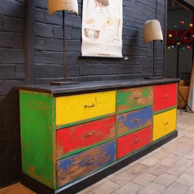 Ancien meuble d'atelier en bois