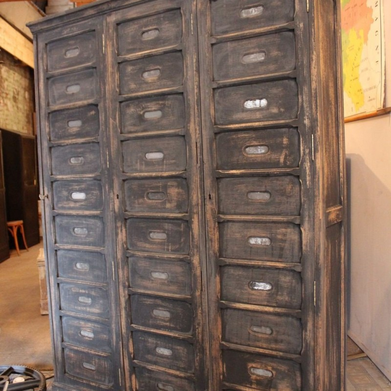 mobilier industriel ancien meuble de notaire en bois. Black Bedroom Furniture Sets. Home Design Ideas