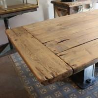 mobilier industriel table industrielle pied en fonte. Black Bedroom Furniture Sets. Home Design Ideas