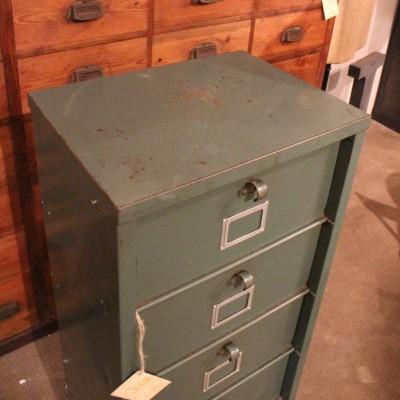Ancien meuble à clapets