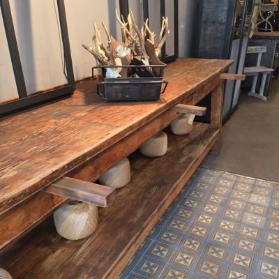 Ancienne table de métier en bois