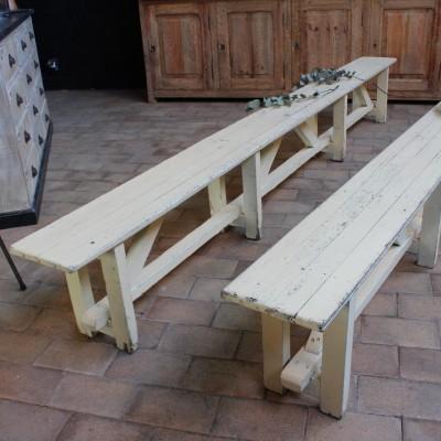 Paire de bancs en bois ancien