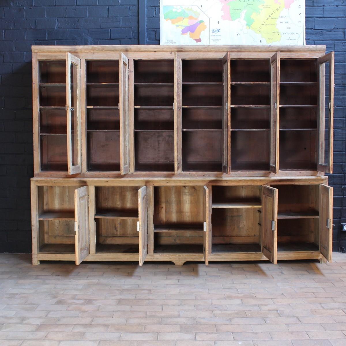 ancien buffet 2 corps. Black Bedroom Furniture Sets. Home Design Ideas