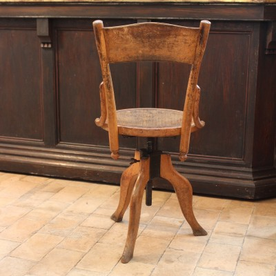 Wooden workshop chair