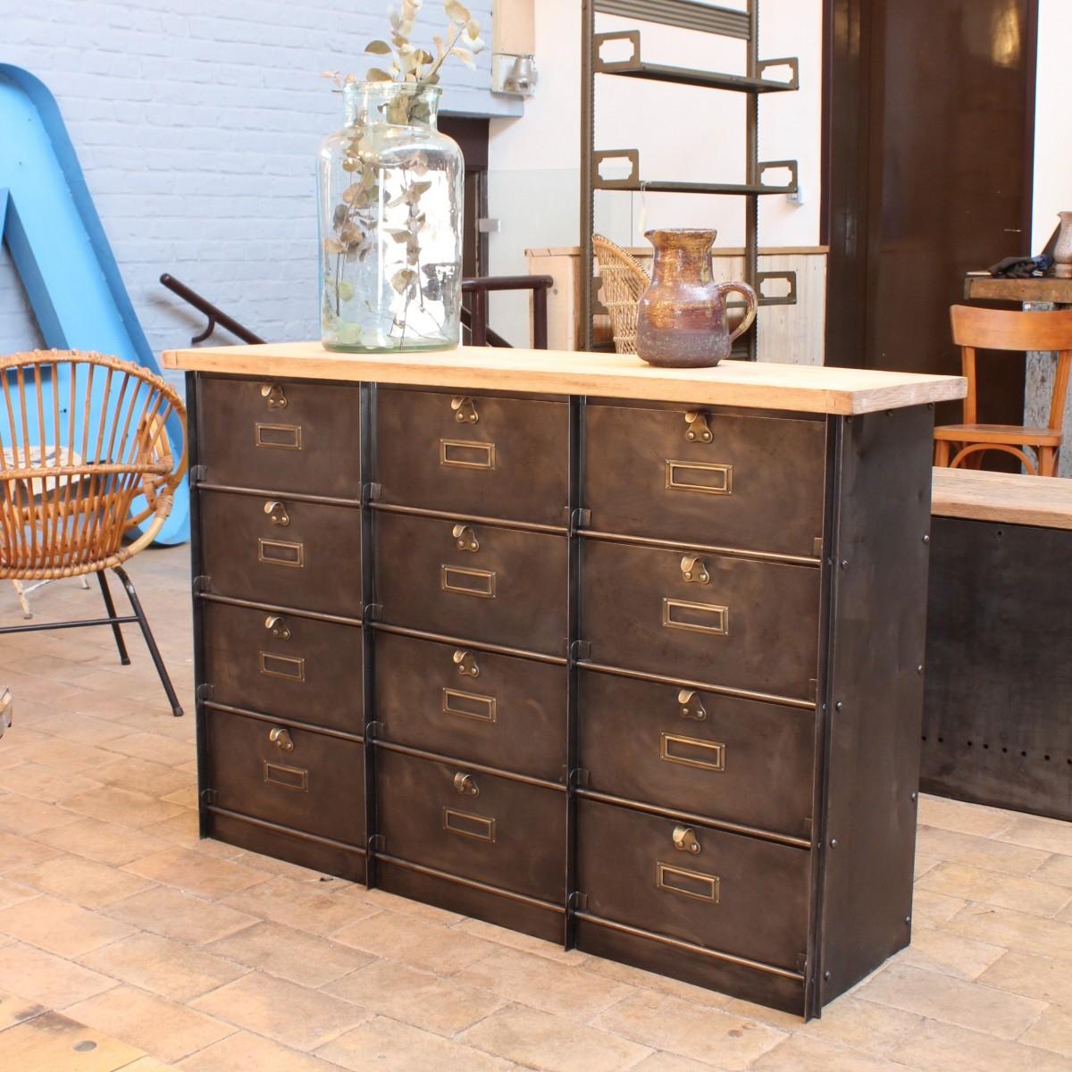 ancien meuble clapets. Black Bedroom Furniture Sets. Home Design Ideas