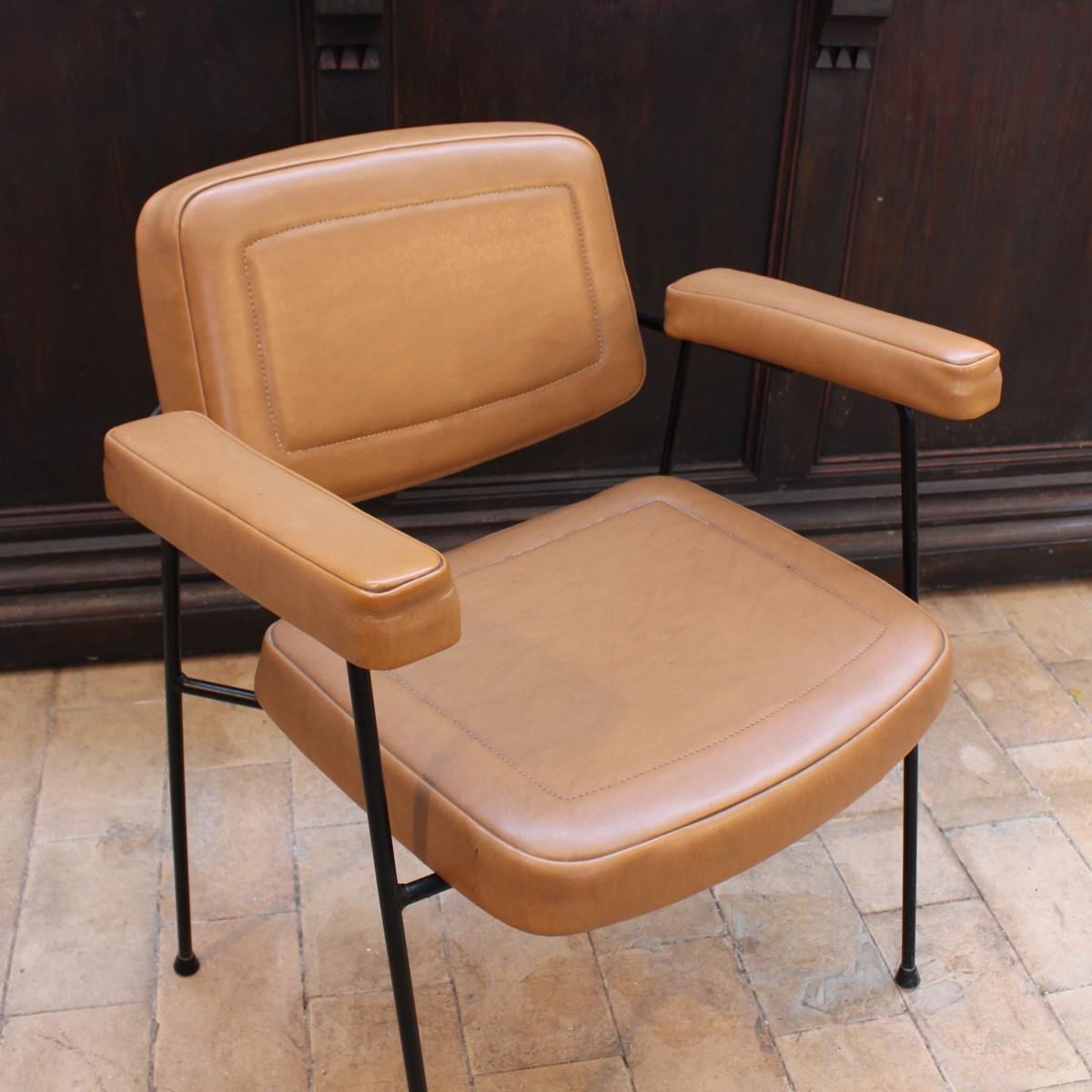 fauteuil pierre paulin 1950. Black Bedroom Furniture Sets. Home Design Ideas