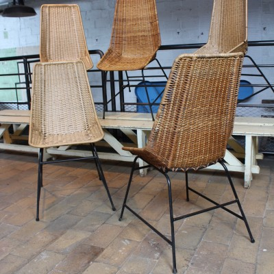 Set of 5 vintage rattan chairs
