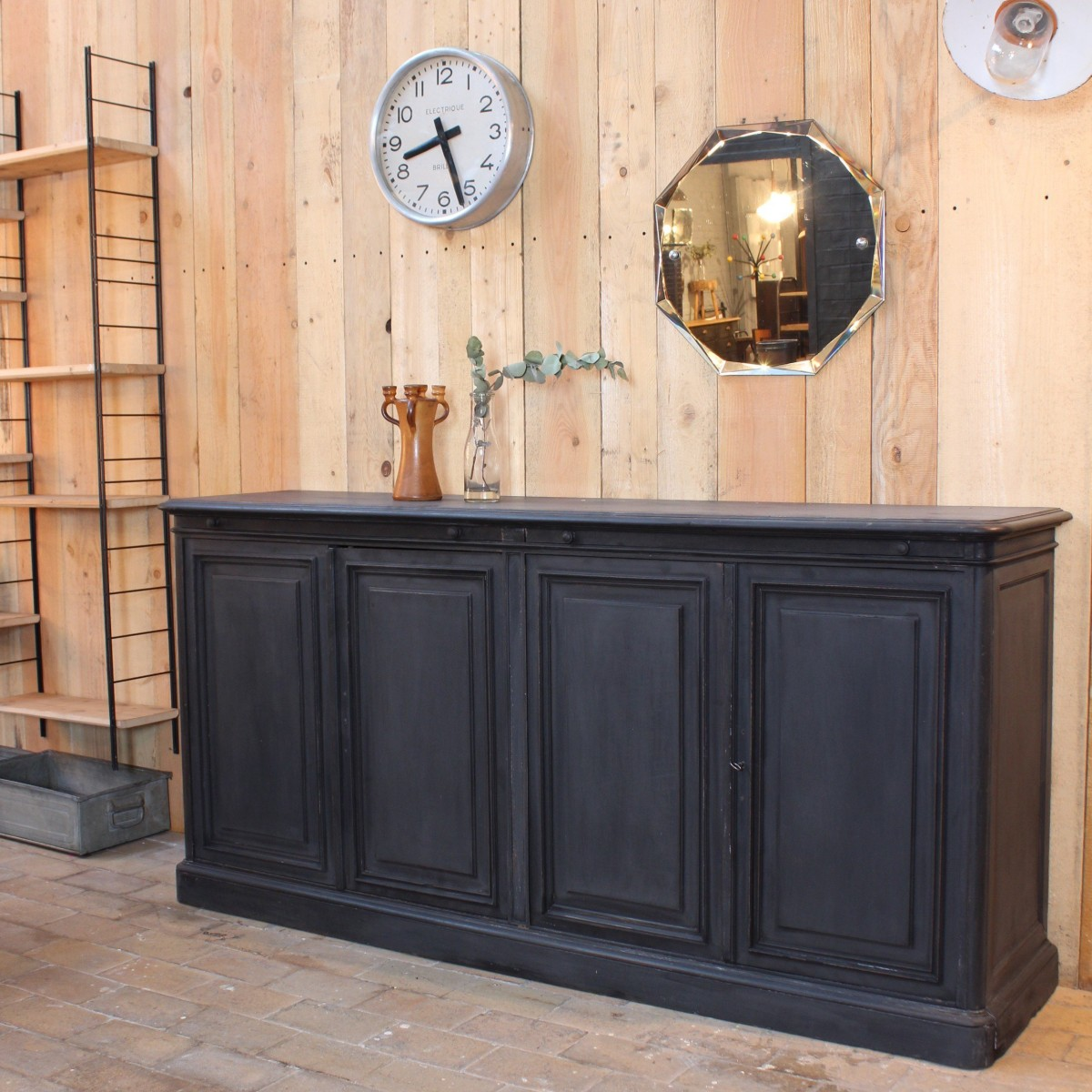 ancien meuble de droguerie en bois. Black Bedroom Furniture Sets. Home Design Ideas