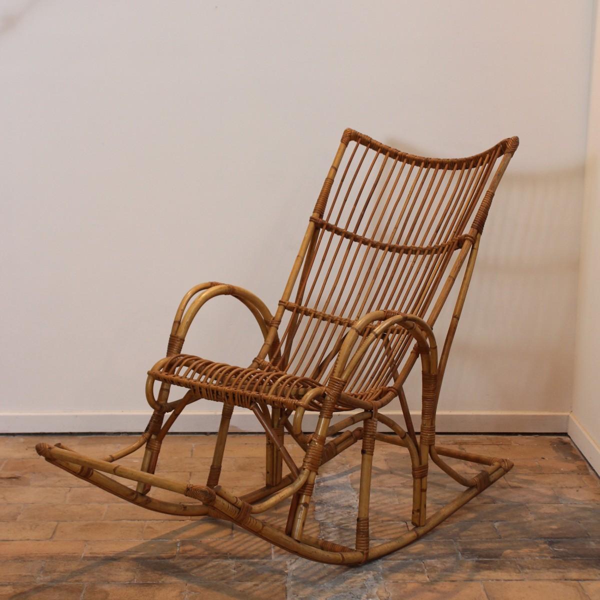 rocking chair en osier perfect meuble vitrine blanc rocking chair rotin enfant boutique en. Black Bedroom Furniture Sets. Home Design Ideas