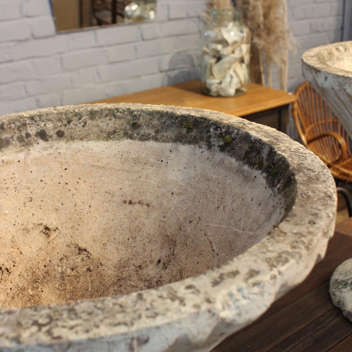 paire de vasques de jardin en ciment. Black Bedroom Furniture Sets. Home Design Ideas