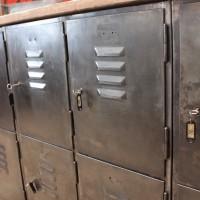 Enfilade industrielle en métal