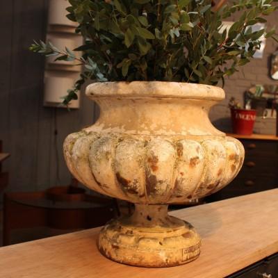 "Ancienne vasque en fonte ""Corneau Alfred Charleville"""