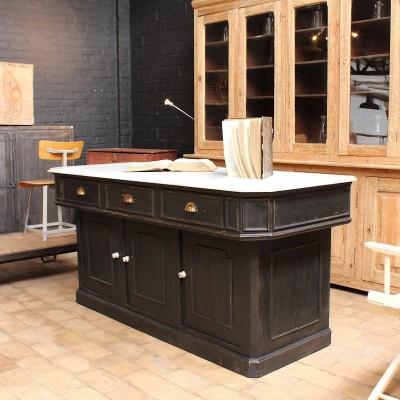 Ancien meuble de boulangerie