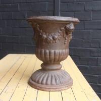 Paire de vasques de jardin en fonte