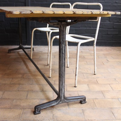 Ancienne table de bistrot