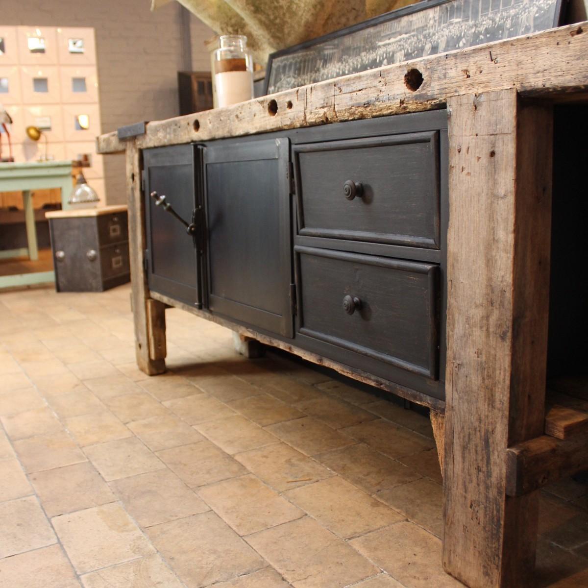 ancien tabli industriel. Black Bedroom Furniture Sets. Home Design Ideas