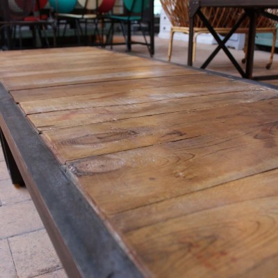 Ancienne table basse industrielle
