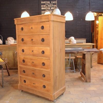 Ancien semainier en bois