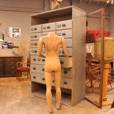 Ancien meuble de quincaillerie en bois