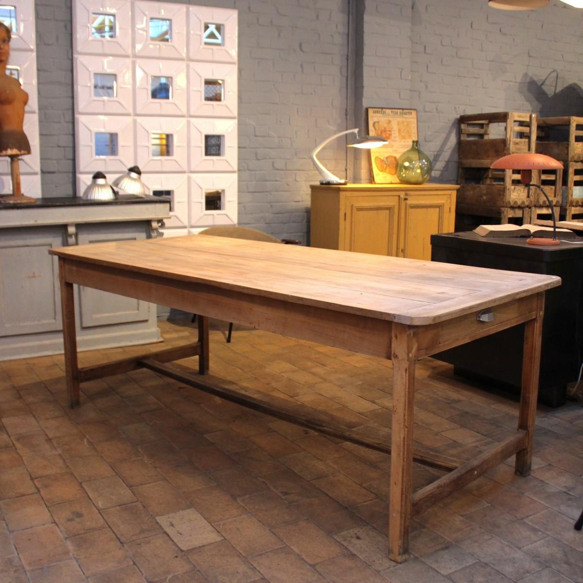 Farm table in raw oak