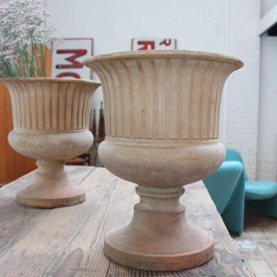 Paire de vasques de jardin en terre cuite