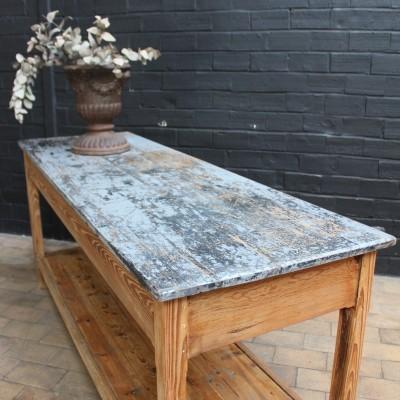 Ancienne table industrielle de drapier en bois