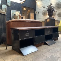 Ancien meuble bas à clapets 1960 Ronéo
