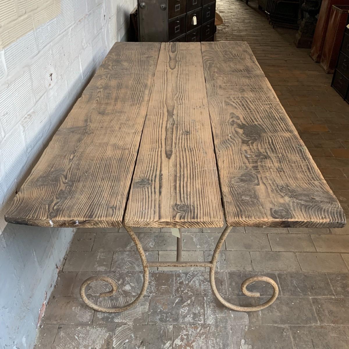 Ancienne table de jardin