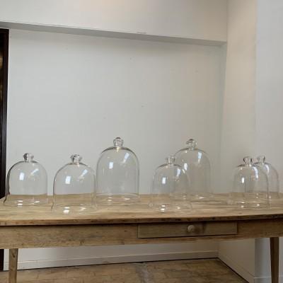 Anciennes cloches en verre des années 50