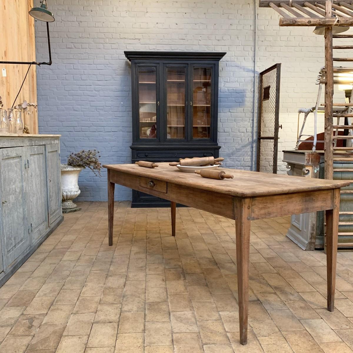 Ancienne table de ferme en merisier