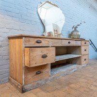 Workshop cabinet with wooden drawers