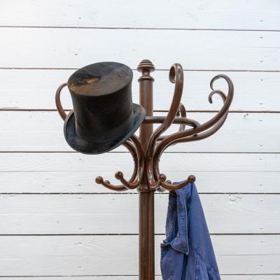 Coat rack Maison THONET 1900.